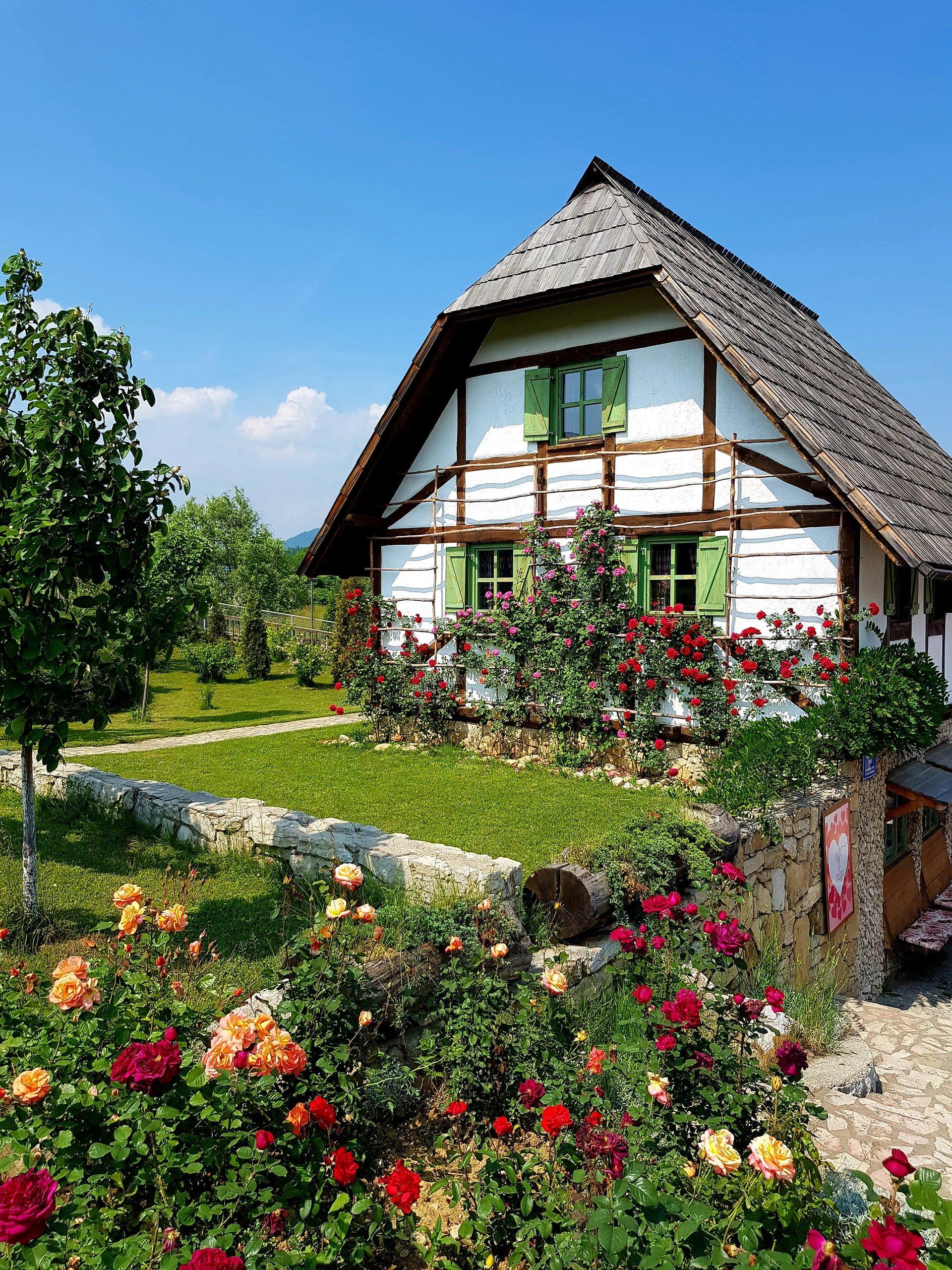 maison-blanche-jardin
